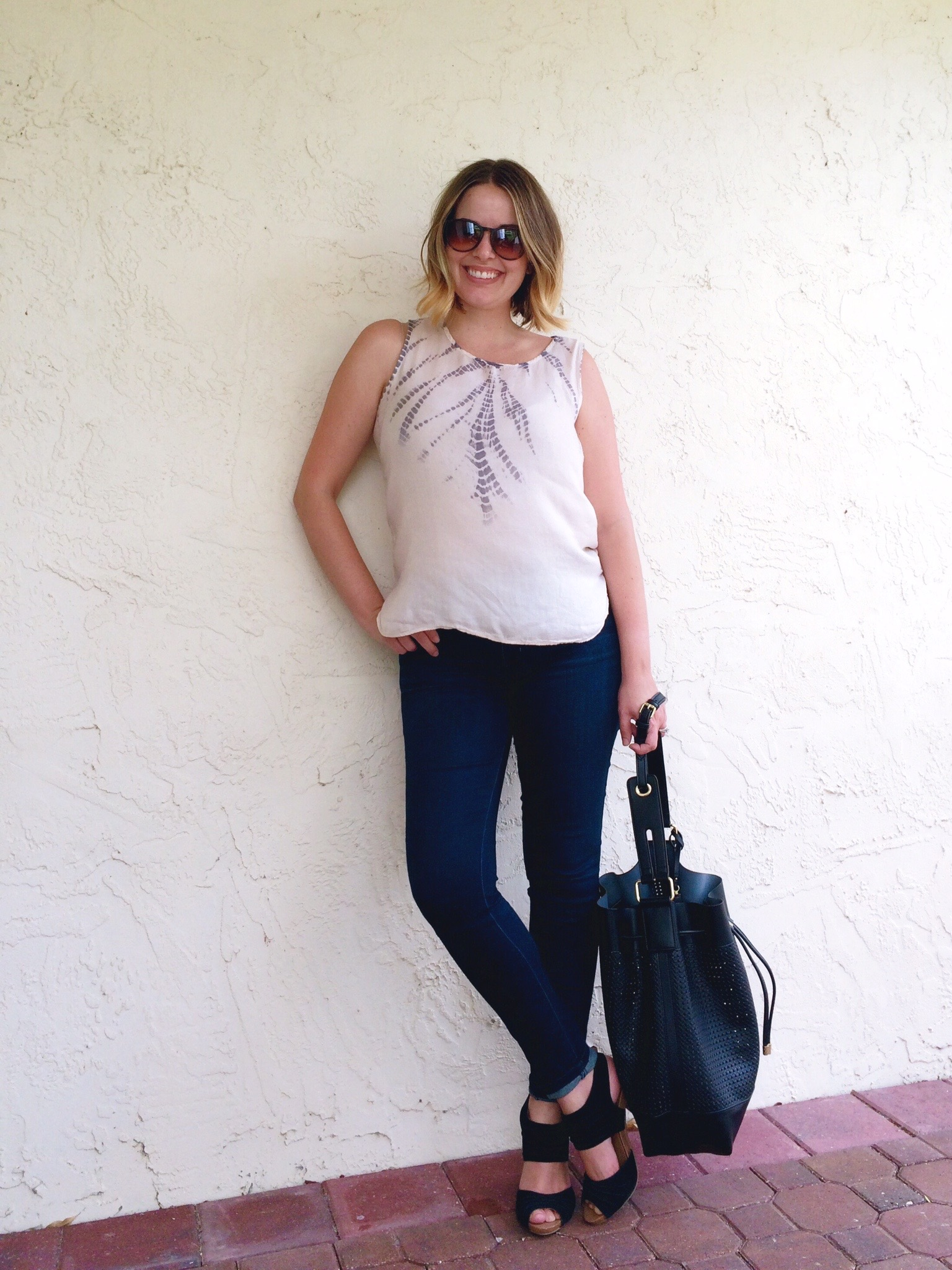 AE Skinny Jeggings, Vince Camuto Colby Bag, Olive and Oak Feathered Tie Dye Tank, Seychelles Gypsy Sandal, Style Blogger, Outfit Ideas