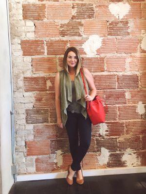 Summer Capsule Wardrobe 2016 | TJMaxx drape vest and AE hi-rise jeggings | keiralennox.com