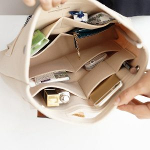 handbag organizer, drop in purse organizer, purse organization tips