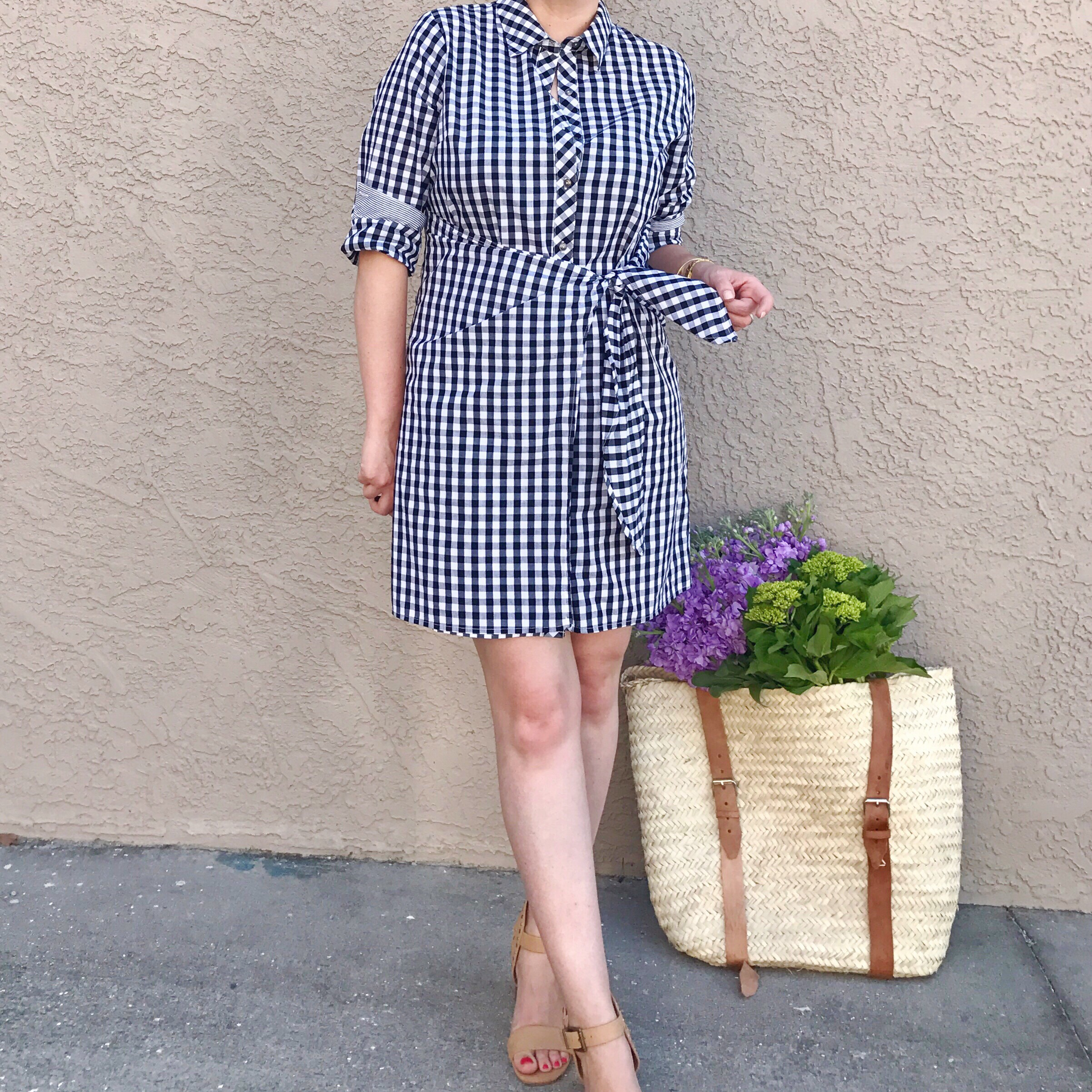 style blogger, gingham shirt dress outfit, spring and summer style, easy outfit ideas